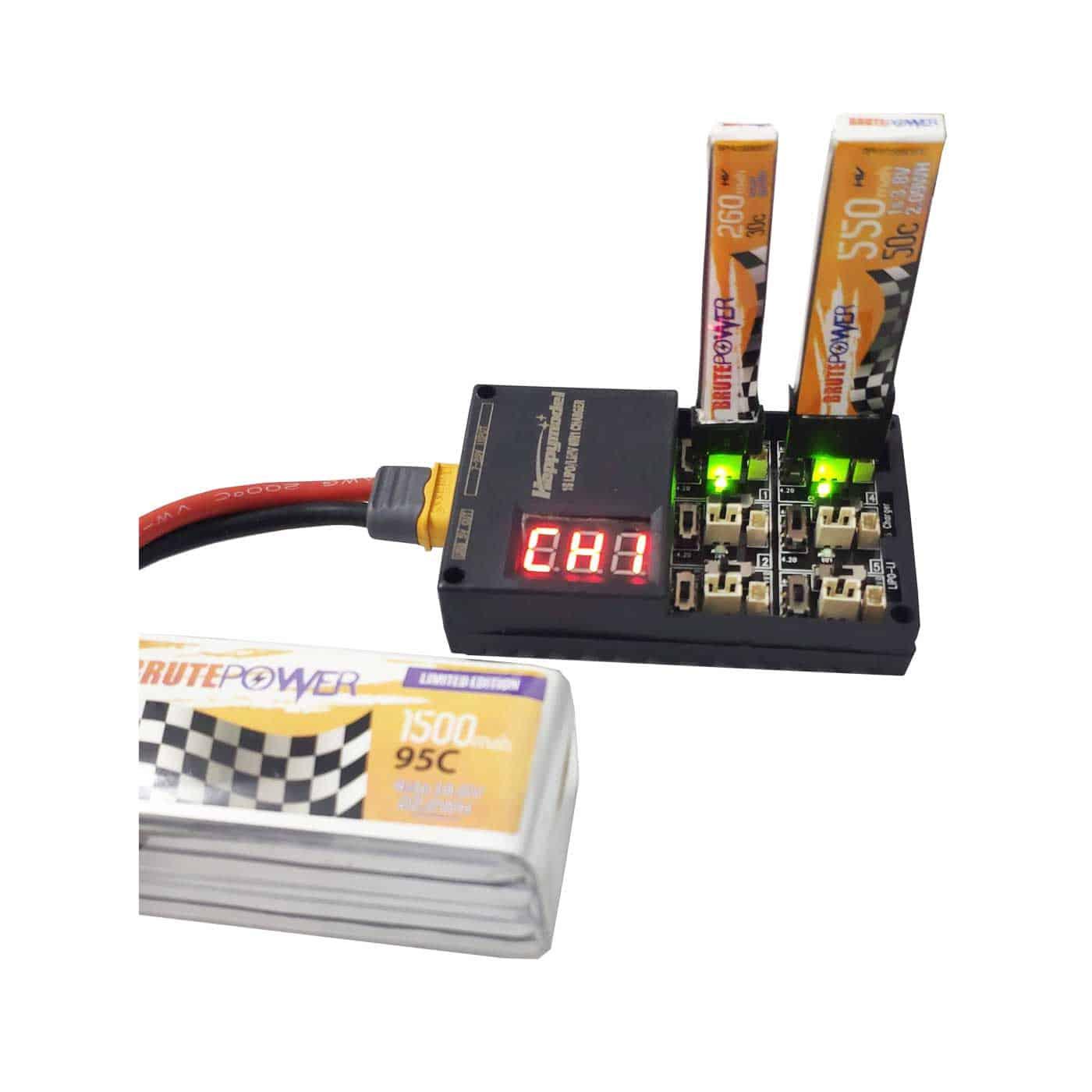 6 en 1 3,8 V 3,7 V S 1 s Lipo LiHv tablero de cargador de batería para Tiny 6 7 QX65 Mobula7 Mini RC Quadcopter FPV Racing Drone Whoop partes Especificaciones: Marca: JMT Peso: 41g Dimensiones: 82x51x22mm Entrada: DC 7 V-25 V Salida conmutable: fija en 600 200 miliamperios Tensión de corte conmutable: Corte de carga de celda de 4,20 V (+-0.5% margen de error) para S 1 Batería Lipo Corte de carga de celda de 4,35 V (S +-0.5% margen de error) para batería de 1 s 3,8 V LIHV Características: -Compatible con Picoblade 2,0, PH 1,25mm batería -Compatible con batería LiHV 4,35 V -Admite 6 baterías cargadas al mismo tiempo -La pantalla muestra el voltaje de entrada y salida de cada canal en orden. -Carga a mA o ma según la configuración de un interruptor que se puede configurar de forma independiente para cada puerto. ¿-2-6 S (7,4 V-22,2 v) como fuente de alimentación o el uso de adaptadores con al menos 2A de salida de la batería? Notas: Los puertos están numerados 1-6. No pongas más de una batería en un solo puerto. Por ejemplo: no insertes una batería en el enchufe Picoblade 1,25 y otra en el mismo puerto con el enchufe PH 2,0.